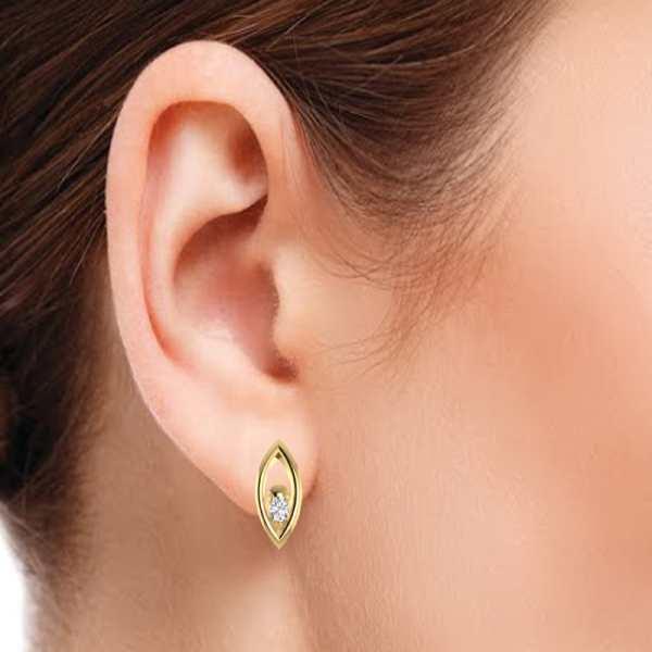 Short Earring With Diamond
