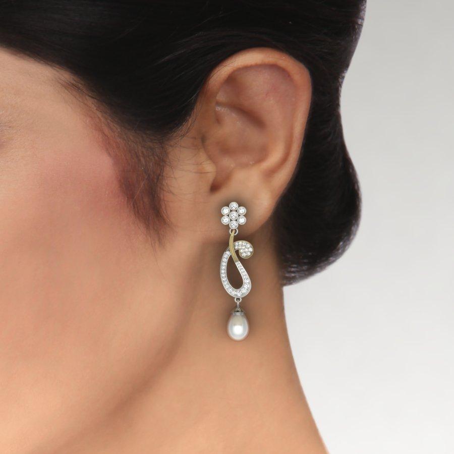 Koyari Shape Earring