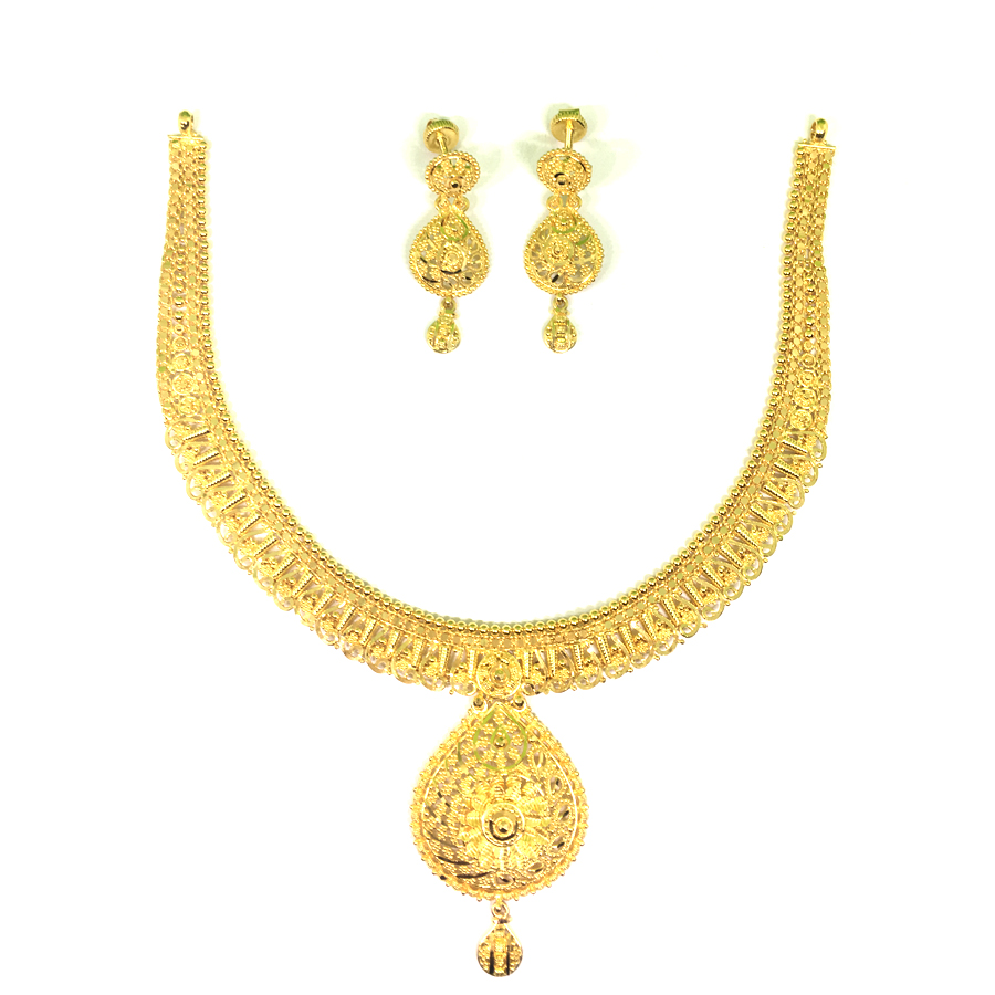 Kasturi Gold Necklace Set