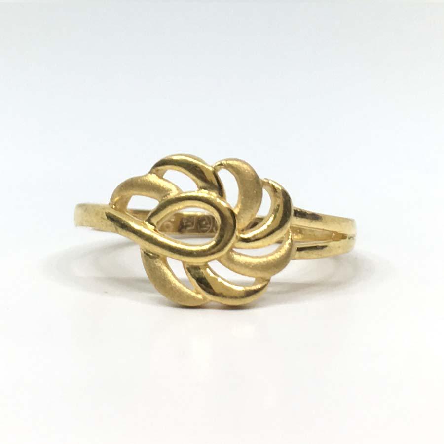 Shiny Ladies Gold Ring