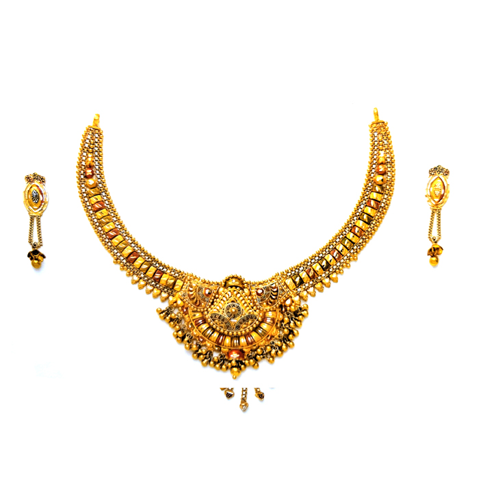Aish Gold Necklace Set
