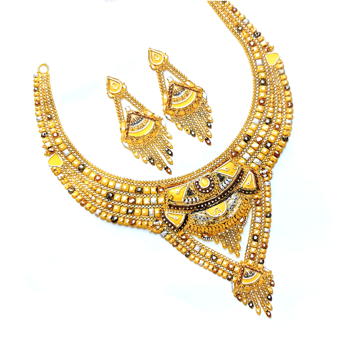 Anagha Gold Necklace Set