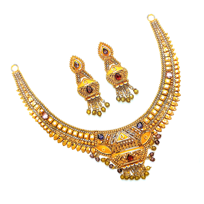 Mannat Gold Necklace Set