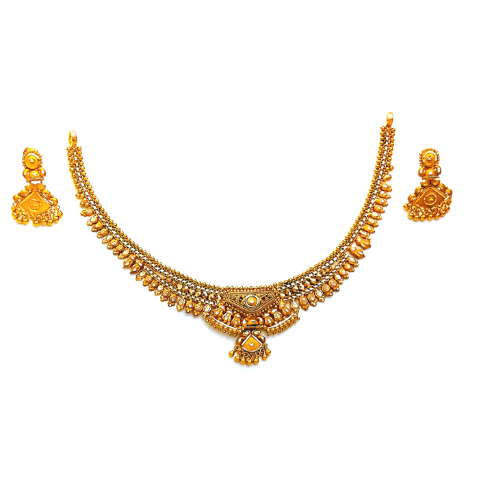 Vougish Gold Necklace
